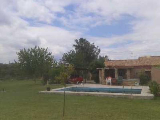 Casa en venta con 90 m2, 2 dormitorios  en Carmona, el corzo