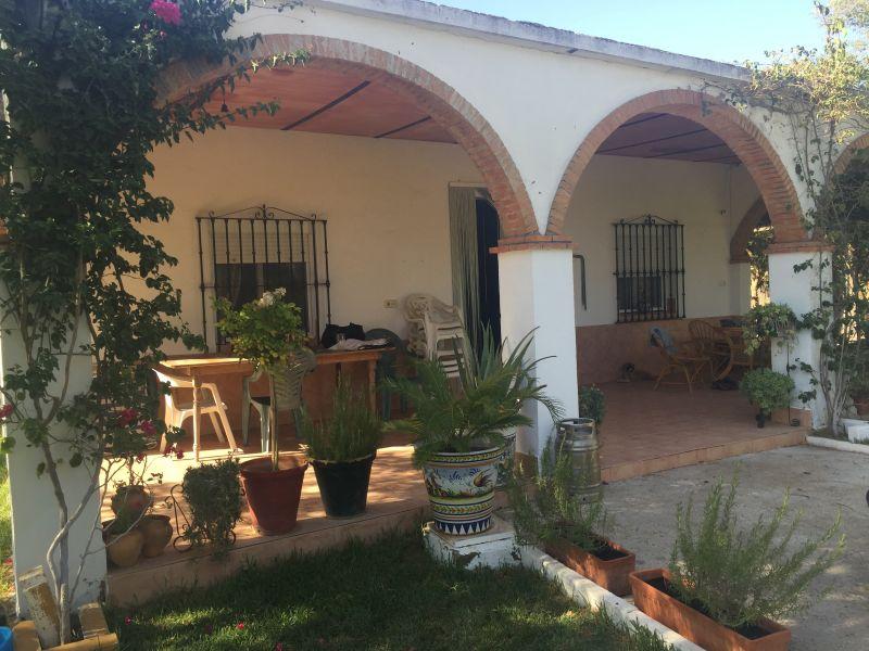Casa en venta con 160 m2, 3 dormitorios  en Carmona, nacional iv