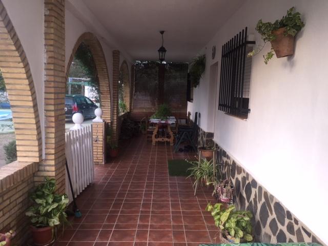 Casa en venta con 130 m2, 4 dormitorios  en Carmona, las monjas
