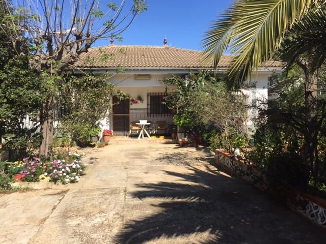 Casa en venta con 110 m2, 3 dormitorios  en Carmona, las celadas