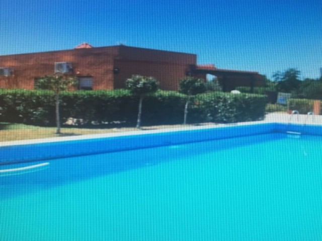 Casa en venta con 90 m2, 3 dormitorios  en Carmona, pradollano