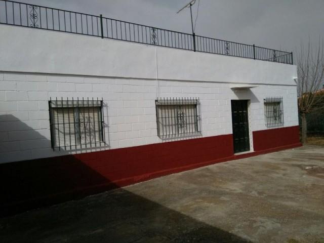 Piso en venta con 95 m2, 4 dormitorios  en Carmona, los nietos