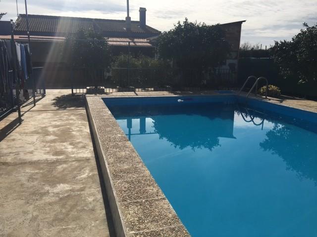 Casa en venta con 150 m2, 4 dormitorios  en Carmona, pradollano