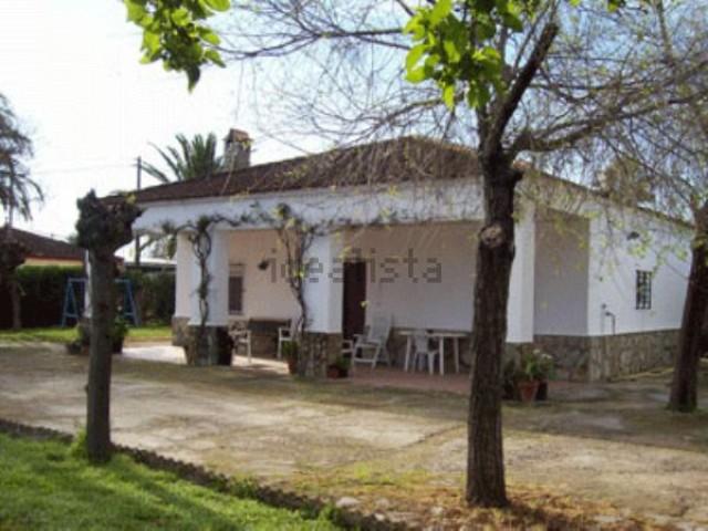 Casa en venta con 110 m2, 3 dormitorios  en Carmona, PRADOLLANO