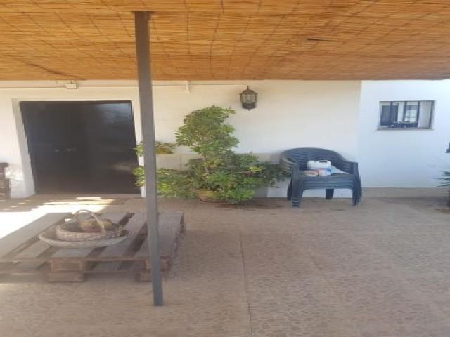 Casa en venta con 90 m2, 2 dormitorios  en Carmona, LAS MONJAS