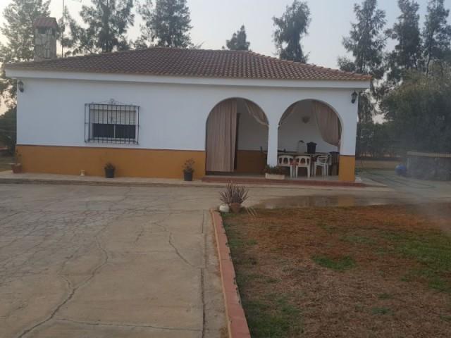 Casa en venta con 135 m2, 3 dormitorios  en Carmona, LAS MONJAS