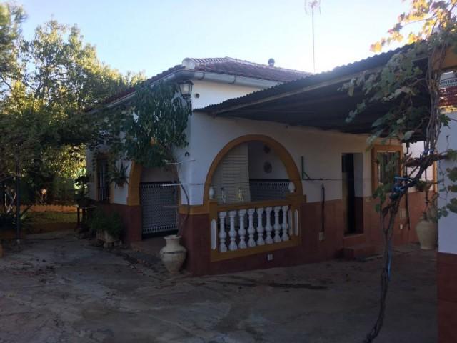 Casa en venta con 150 m2, 4 dormitorios  en Carmona, LOS FRUTALES DEL ALCOR