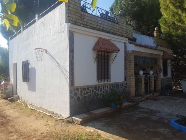 Casa en venta con 120 m2, 4 dormitorios  en Carmona, LOS NIETOS