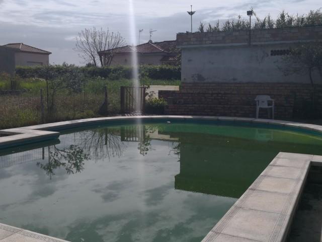 Casa en venta con 55 m2, 1 dormitorios  en Carmona, LA CELADA