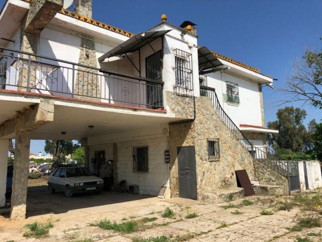 Casa en venta con 200 m2, 3 dormitorios  en Carmona, EL CORZO