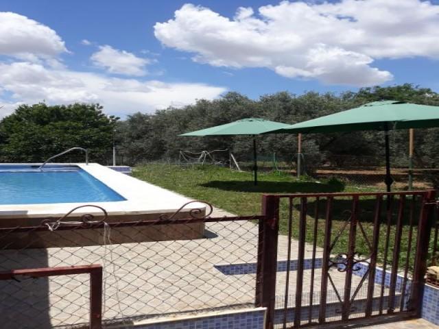 Casa en venta con 110 m2, 2 dormitorios  en Carmona, EL CORZO