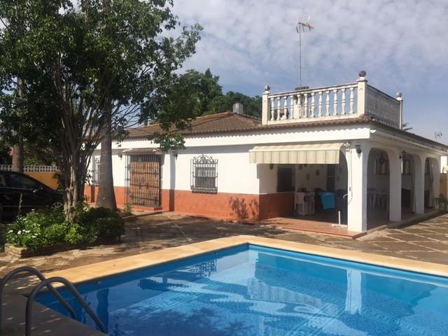 Casa en venta con 228 m2, 4 dormitorios  en Carmona, TORREPALMA