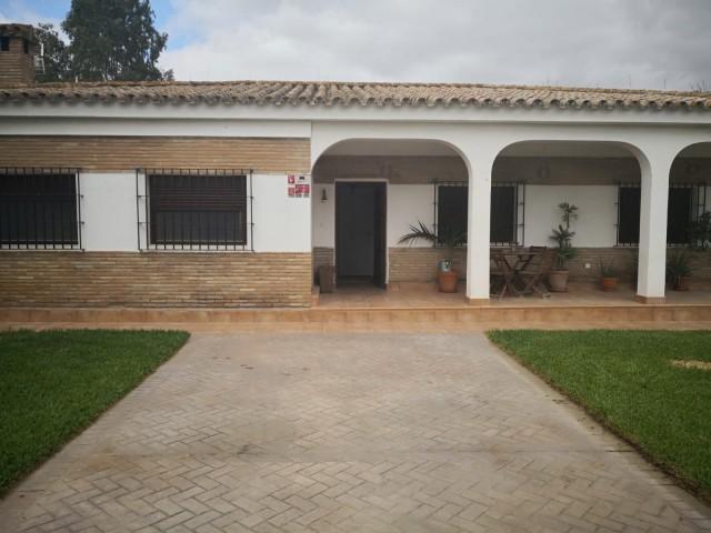 Casa en venta con 140 m2, 3 dormitorios  en Carmona, EL CORZO