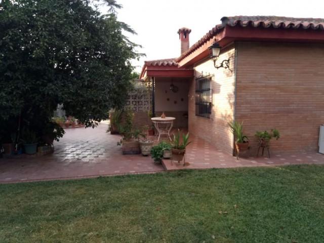 Casa en venta con 200 m2, 4 dormitorios  en Carmona, LA CIERVA