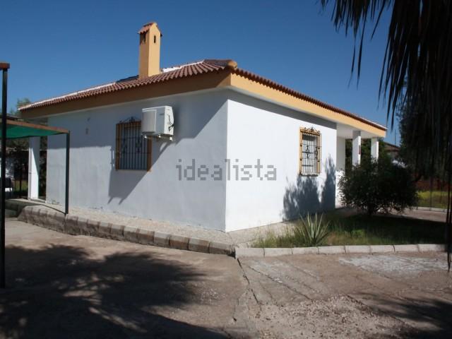 Casa en venta con 110 m2, 3 dormitorios  en Carmona, EL PILAR
