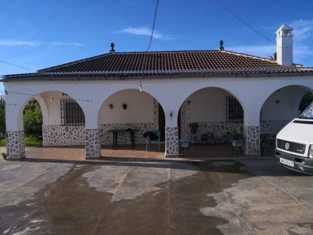 Casa en venta con 203 m2, 3 dormitorios  en Carmona, LAS TRES PALMERAS