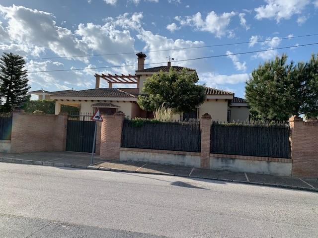 Casa en venta con 240 m2, 4 dormitorios  en Gerena, LOS ZARZALEJOS