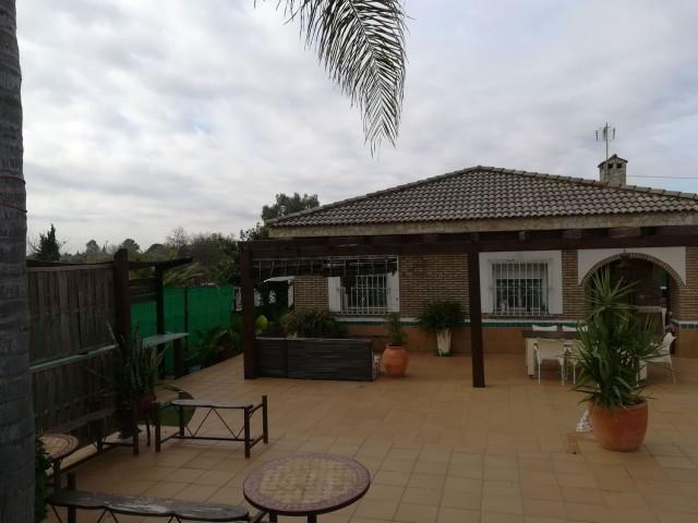 Casa en venta con 120 m2, 2 dormitorios  en Carmona, LA CELADA