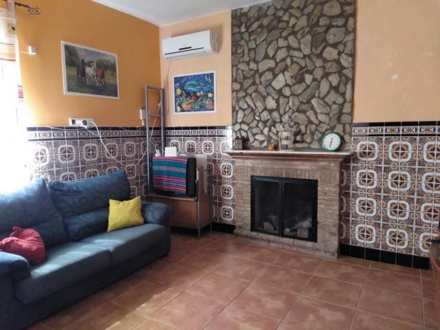 Casa en venta con 137 m2, 4 dormitorios  en Carmona, EL CORZO