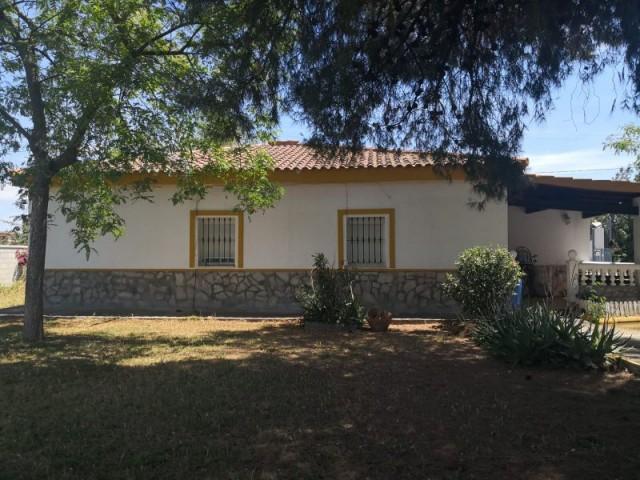 Casa en venta con 150 m2, 4 dormitorios  en Carmona, URB. PRADOLLANO 2ª FASE