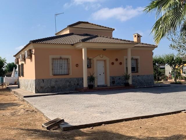 Casa en venta con 120 m2, 3 dormitorios  en Carmona, LAS NARANJILLAS