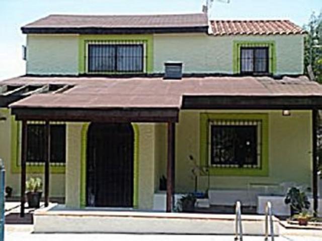 Casa en venta con 156 m2, 5 dormitorios  en Carmona, los jinetes