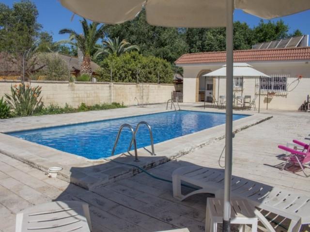 Casa en venta con 179 m2, 6 dormitorios  en Carmona, EL SOCORRO