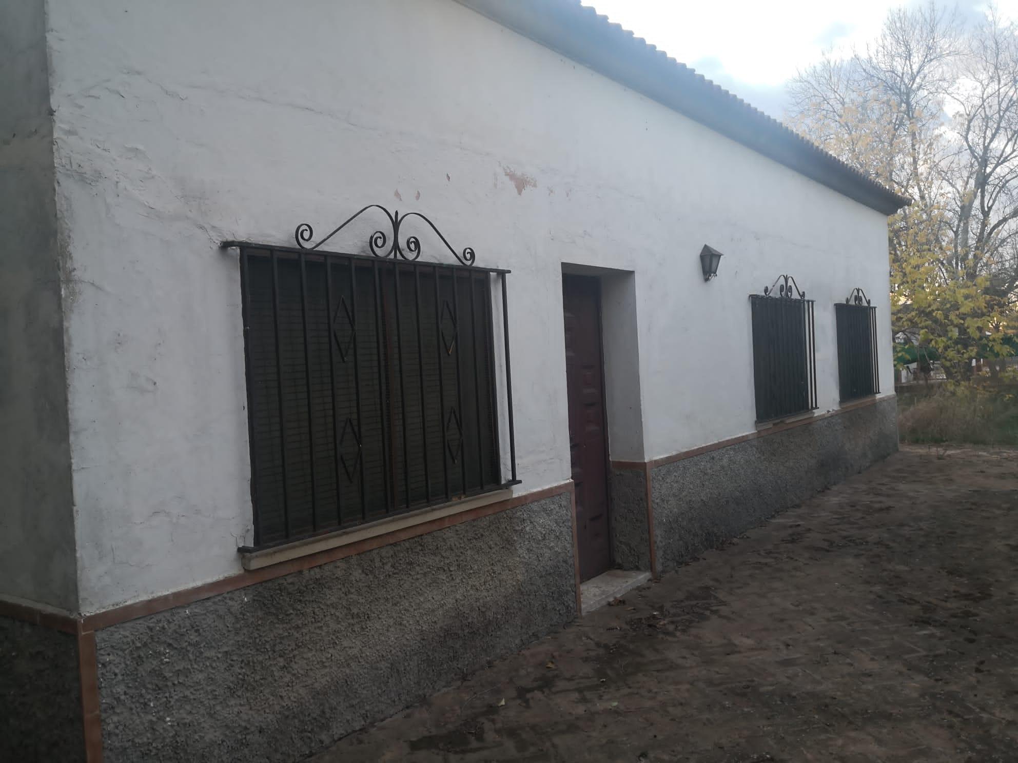Casa en venta con 260 m2, 3 dormitorios  en Carmona, TRES PALMERAS