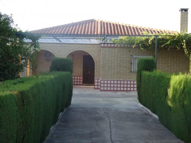 Casa en venta con 150 m2, 4 dormitorios  en Carmona, SANTA FE