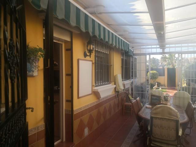 Casa en venta con 131 m2, 4 dormitorios  en Montequinto (Dos Hermanas), CONDEQUINTO