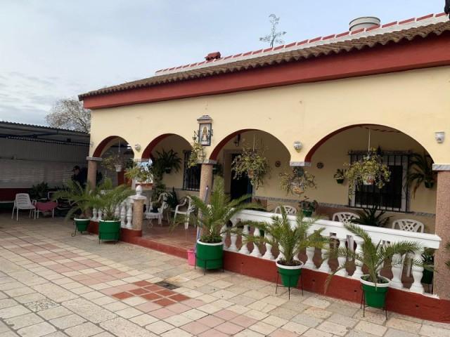 Casa en venta con 271 m2, 2 dormitorios  en La Rinconada , almonazar