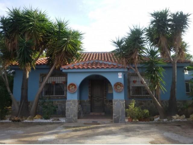 Casa en venta con 197 m2, 4 dormitorios  en Carmona, LOS FRUTALES DEL ALCOR