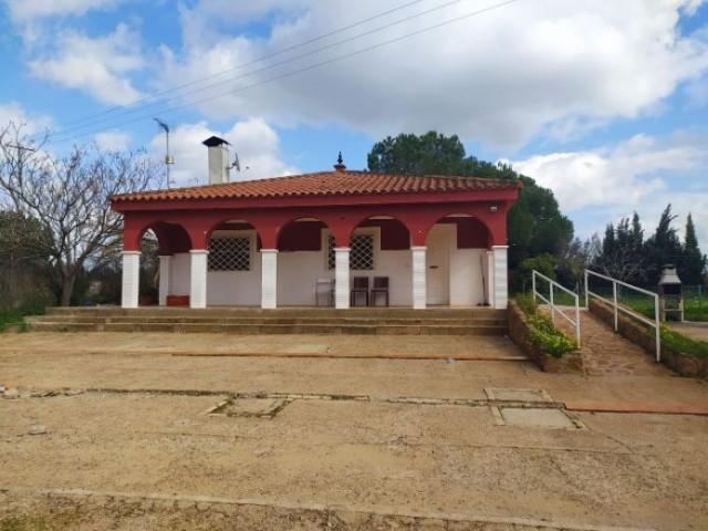 Casa en venta con 200 m2, 4 dormitorios  en Carmona, LA BARCA