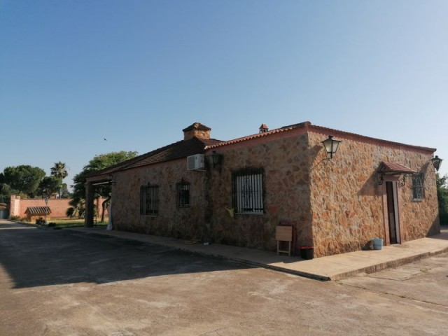 Casa en venta con 130 m2, 3 dormitorios  en Carmona, LOS JINETES