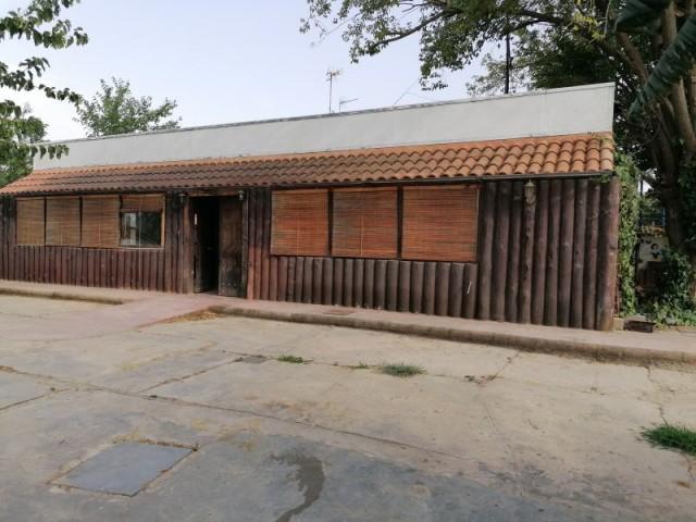 Casa en venta con 130 m2, 4 dormitorios  en Carmona, EL CORZO