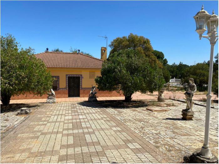 Casa en venta con 110 m2, 4 dormitorios  en Carmona, LOS FRUTALES DEL ALCOR