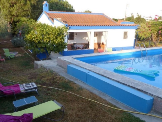 Casa en venta con 100 m2, 2 dormitorios  en Carmona, el corzo