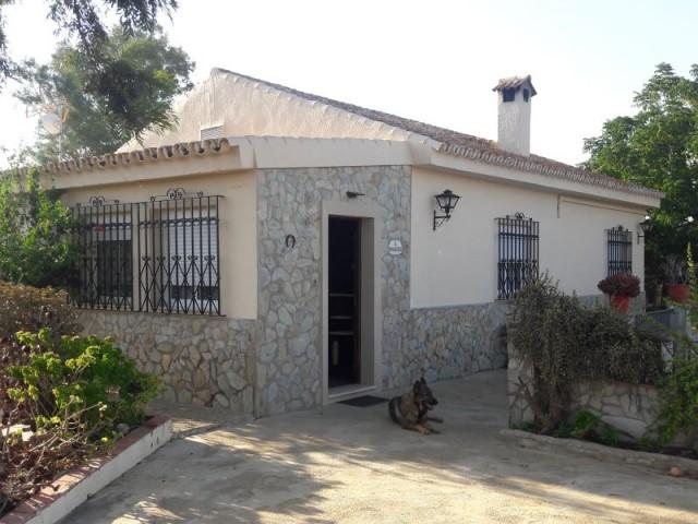Casa en venta con 120 m2, 4 dormitorios  en Carmona, LOS JINETES