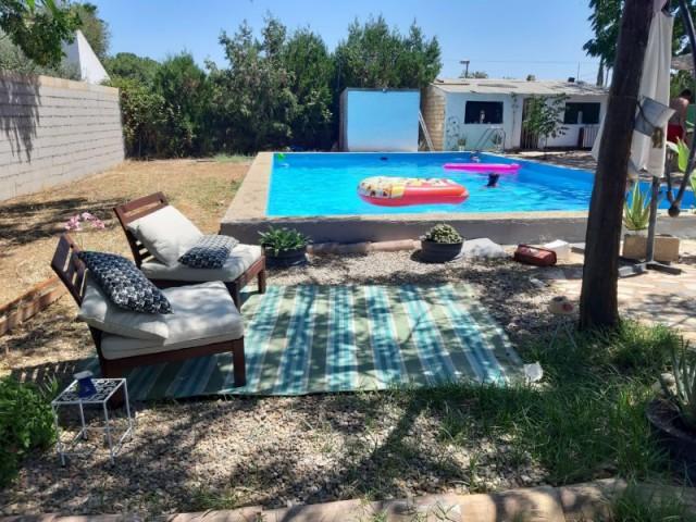 Casa en venta con 75 m2, 2 dormitorios  en Carmona, PRADOLLANO