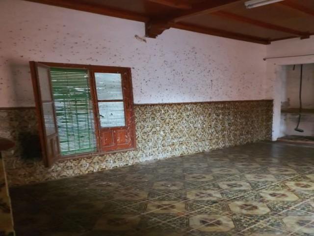 Casa en venta con 338 m2, 6 dormitorios  en Estepa