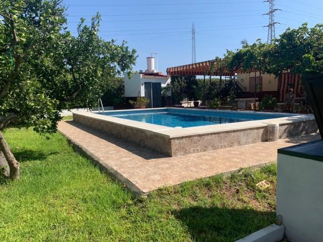 Casa en venta con 130 m2, 3 dormitorios  en Alcalá de Guadaíra, matachica
