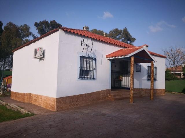 Casa en venta con 233 m2, 4 dormitorios  en Carmona, LA CELADA