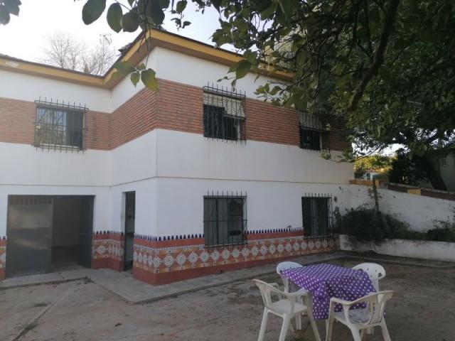 Casa en venta con 90 m2, 4 dormitorios  en Carmona, LOS FRUTALES DEL ALCOR