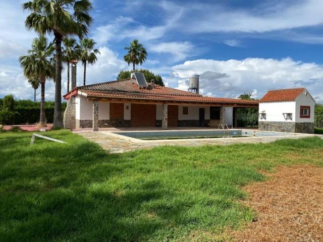 Casa en venta con 252 m2, 3 dormitorios  en Carmona, PRADOLLANO 1ª FASE