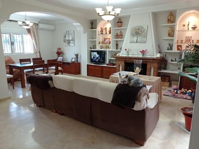 Casa en venta con 186 m2, 2 dormitorios  en Alcalá de Guadaíra, BARRIADA SAN RAFAEL