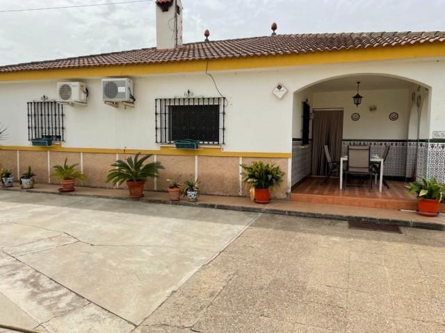 Casa en venta con 120 m2, 3 dormitorios  en Carmona, torrepalma