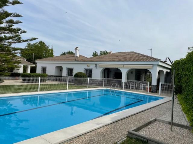 Casa en venta con 289 m2, 4 dormitorios  en Dos Hermanas (Pueblo) (Dos Hermanas), VILLANUEVA DEL PITAMO
