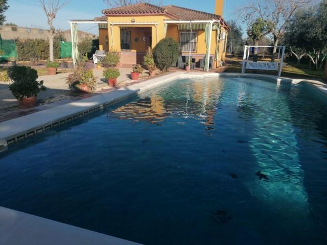 Casa en venta con 100 m2, 3 dormitorios  en Carmona, PRADOLLANO